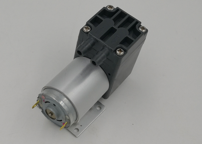 110kpa Pressure 12V DC Water Pump Motor , Small DC Water Pump 3L/M Flow